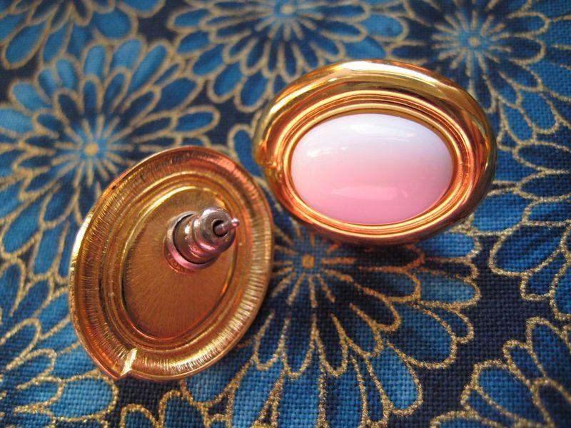 Gold white oval earrings