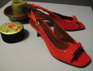 MegMo red shoe1