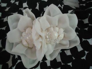 Flowerdetailonblackandwhitecoat4-17-11
