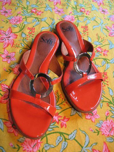 Sofft orange shoes